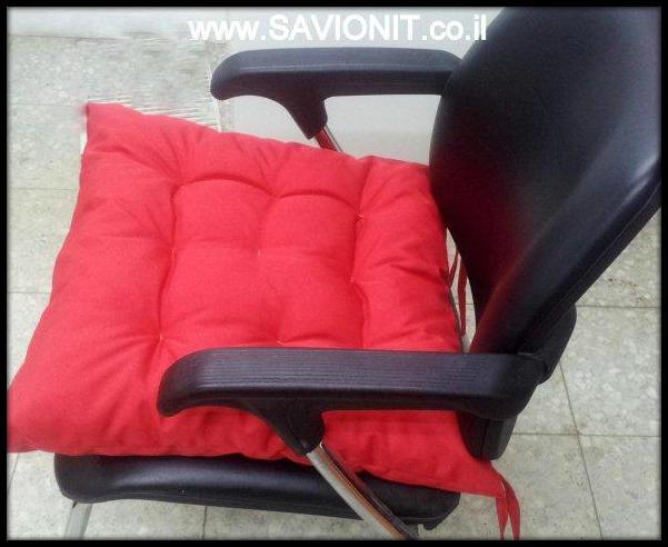 כריות ישיבה - עם קפיטונז' מבט צד בצבע אדום