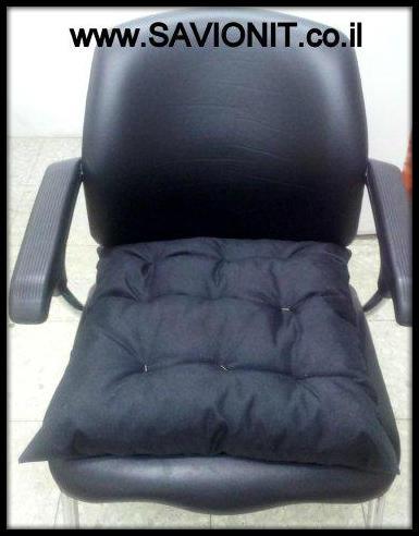 כריות ישיבה - עם קפיטונז' בצבע שחור