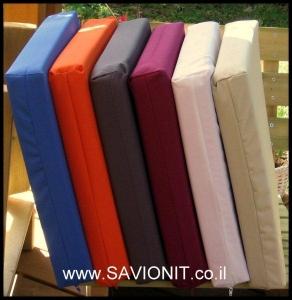 כריות ישיבה במגוון צבעים